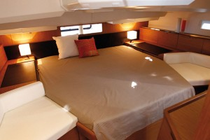 Jeanneau-Australia-Sun-Odyssey-44-Deck-Saloon-I7
